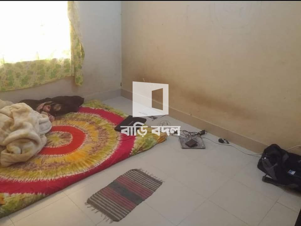 Flat rent in Dhaka উত্তরা, Farid Complex, Farid Market, 53 Middle Azampur, Azampur railgate, Uttara, Dhaka. (Walking distance from Rajlokkhi/Azampur)