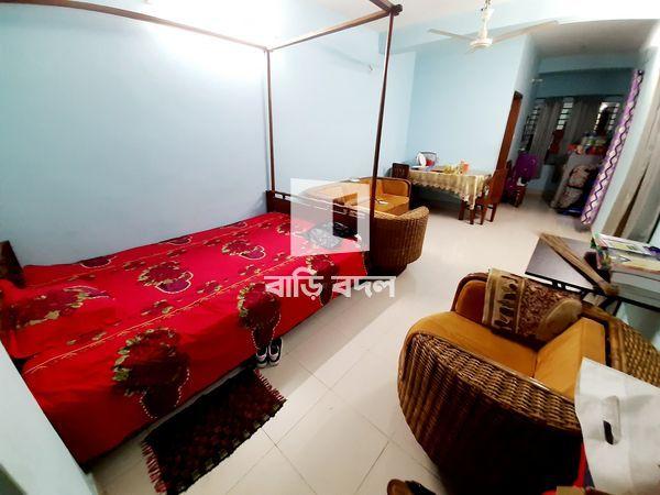 Seat rent in Dhaka গ্রীন রোড, ২০০ নং গলি, গ্রিনরোড ।