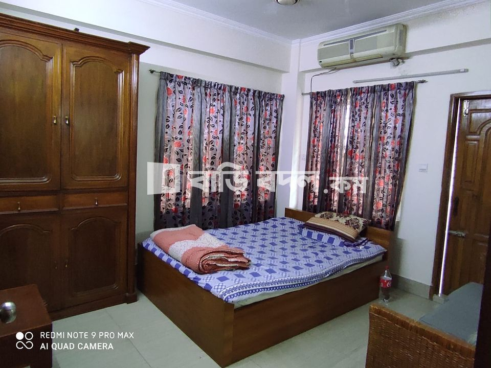 Sublet rent in Dhaka বসুন্ধরা আবাসিক এলাকা, Road# 7 (End of the road beside Cambrian School Hostile, End of the Block), Block#A, Bashundhara R/A.