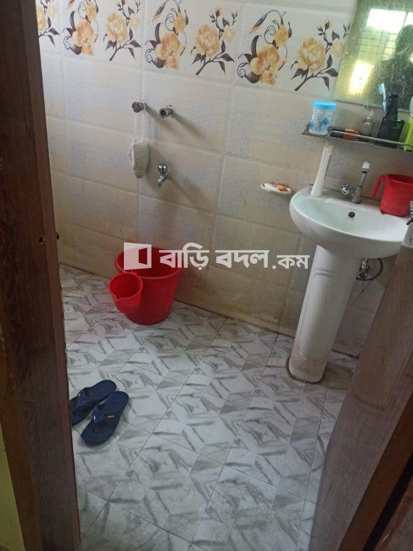 Seat rent in Dhaka ধানমন্ডি, রায়েরবাজার হাই স্কুল, পশ্চিম ধানমন্ডি, রানা ফুডের গলিতে।