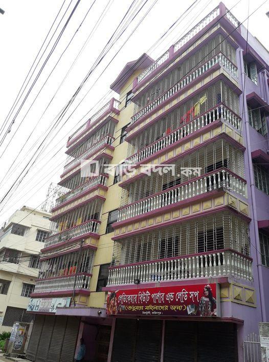 Flat rent in Faridpur ফরিদপুর সদর, ২৯/এ, আব্দুল করিম মিয়া সড়ক, ঝিলটুলী, ফরিদপুর - ৭৮০০।