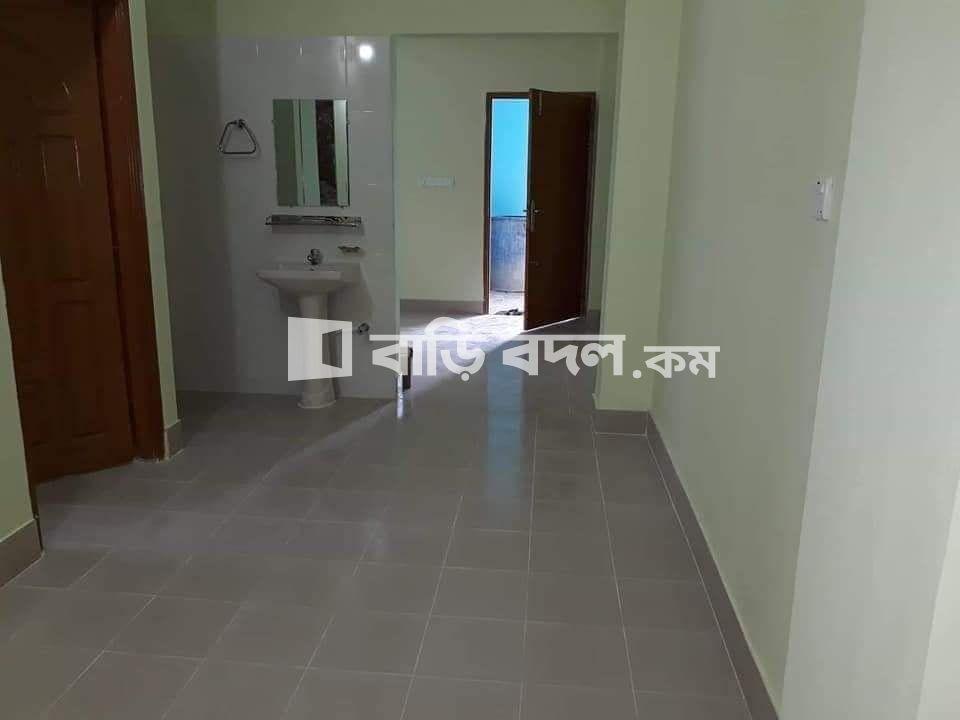 Flat rent in Chattogram চট্রগ্রাম সদর, রহমান নগর, এ ব্লক ( সেনা পেট্রোল পাম্প এর পাসের গলি দিয়ে) নাসিরাবাদ, চিটাগং