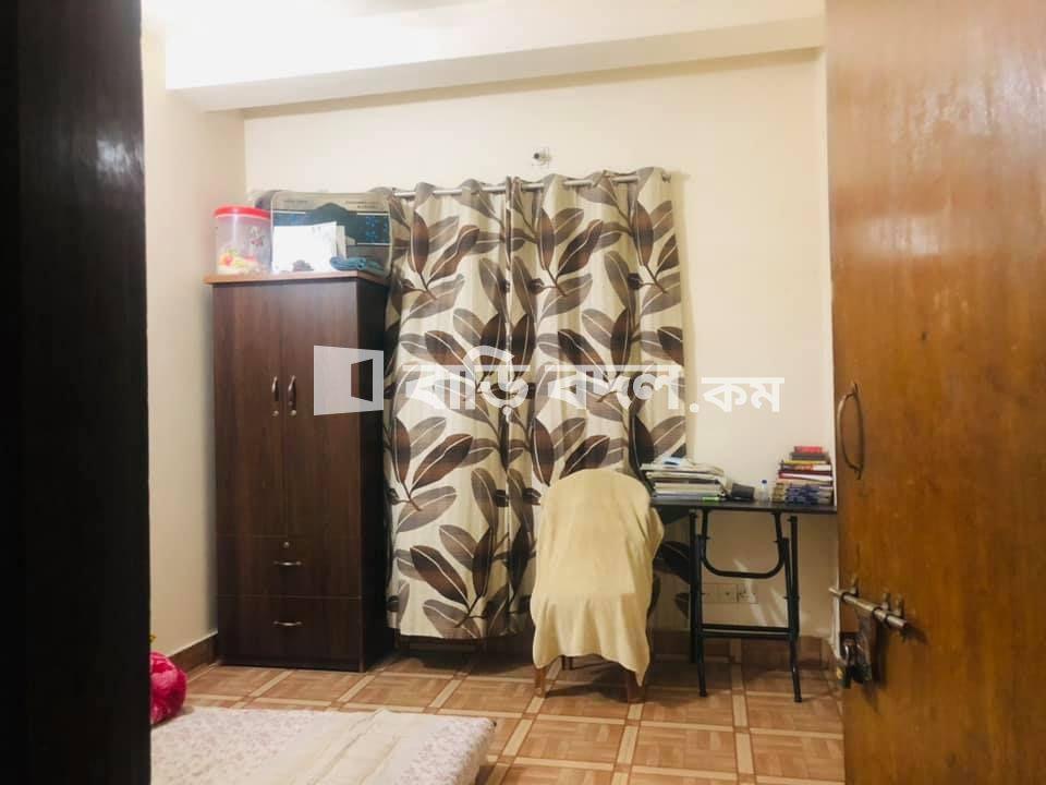 Sublet rent in Dhaka ধানমন্ডি, গ্রীন লাইফ হসপিটাল এর পিছনে,  #গ্রীন রোড ,পান্থপথ,ধানমন্ডি।