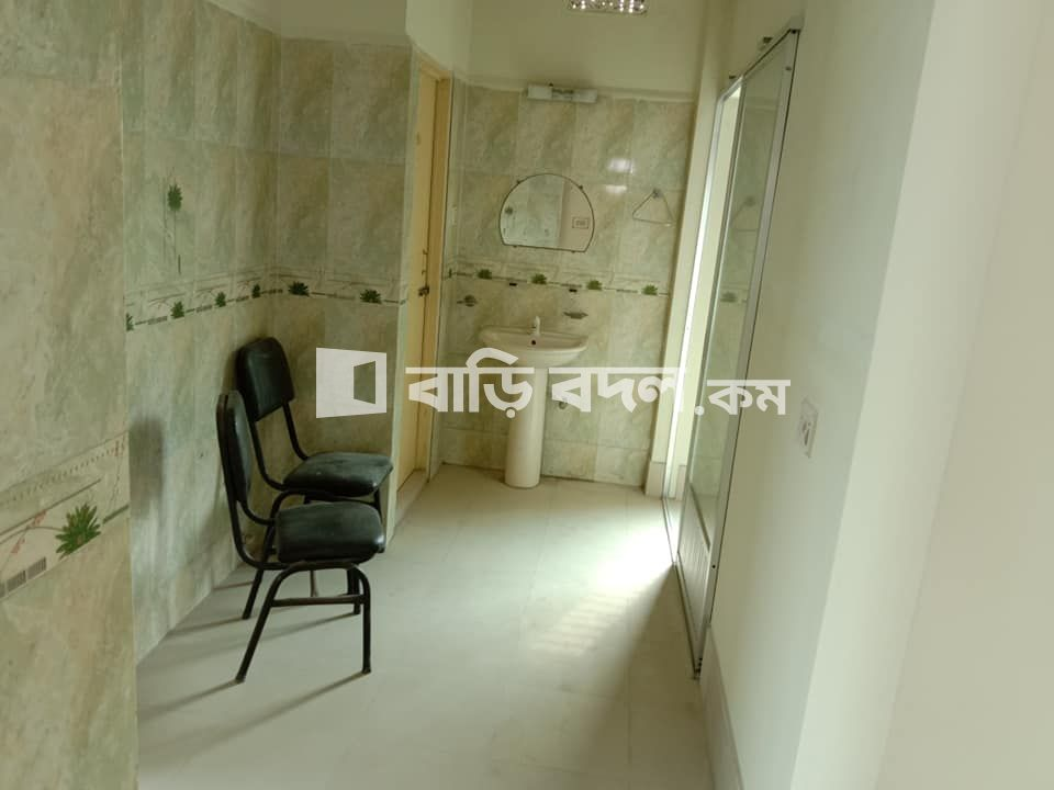 Flat rent in Khulna খুলনা সদর, ২৫৩/১৮ শেরেবাংলা রোড(জাব্বার সড়ক)এসওএস শিশুপল্লি স্কুলের বিপরিত।