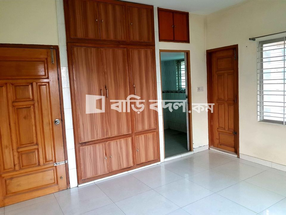 Flat rent in Block C VIP Main Road Beside Ebenezer School. | 1  bed(s) | Bashundhara RA | Baribodol.com, Best property rental platform in Bangladesh