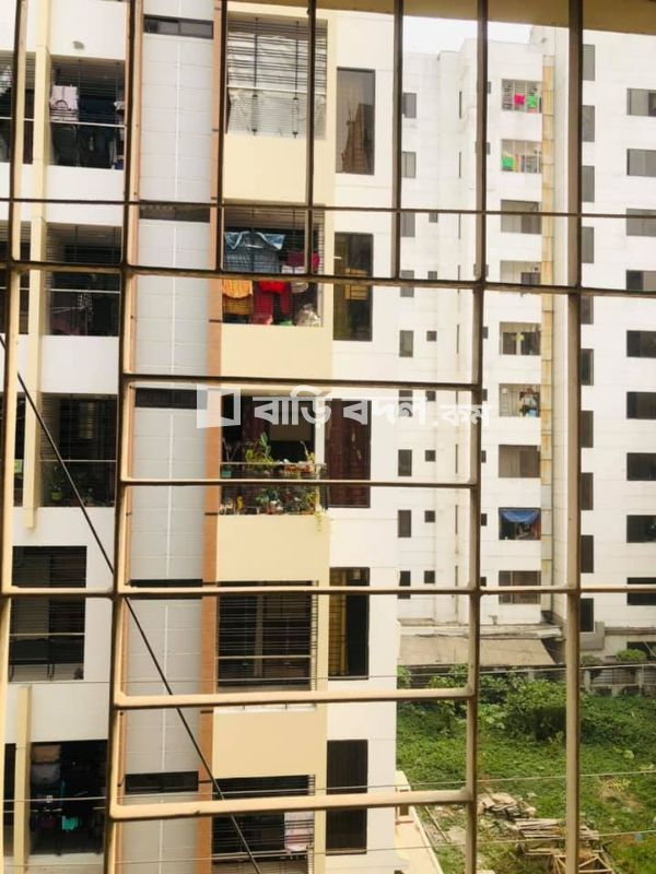Flat rent in Dhaka , Only 3minutes walking distance from IUB, NSU & AIUB