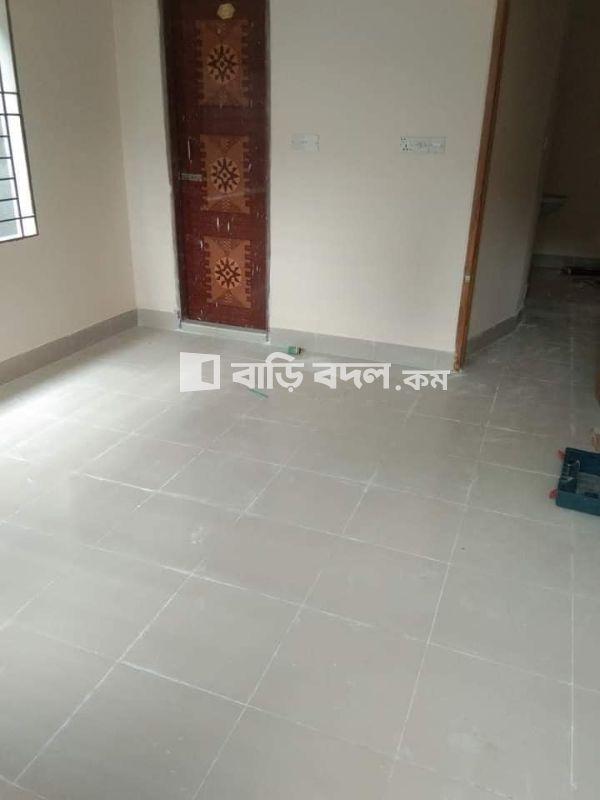 Flat rent in Dhaka উত্তরা, Ajompur railgate brac market pashai, near 04 and 06 no Sector,,waliking distance Ajompur main road 12/15 and Ajompur railgate theke 2/3 minit,,