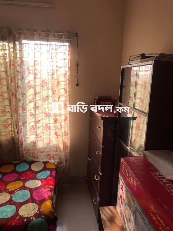 Flat rent in Dhaka রামপুরা, 385/10 TV Tower road near U loop gol chottor banasree main road. Very near for EWU students