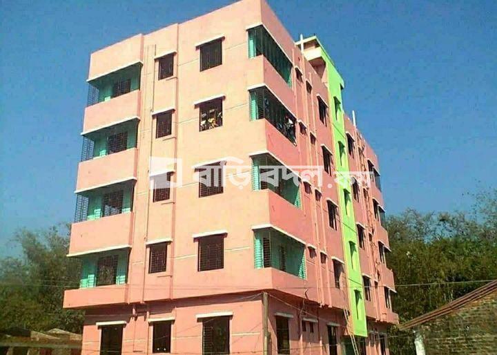 Flat rent in Chattogram হাটহাজারী, হাটহাজারী রোড- ৩ নং। অক্সিজেন এর পরে, বড়দিঘির পাড় এর আগে. বাসাঃ লালিয়ারহাট-জয়নাব ক্লাব এর সামনে। খালি ফ্লোর ৩ তলা-৩ নং ????