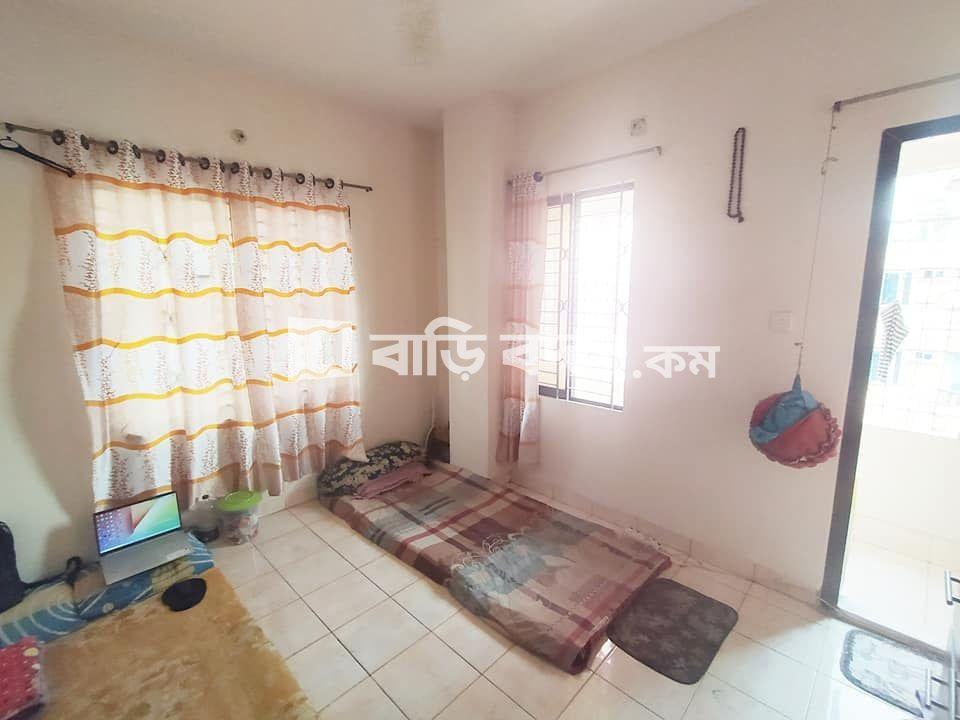 Seat rent in Dhaka গুলশান, গুদারাঘাট রোড ৯,  গুলশান ১ পায়ে হেটে ১০ মিনিট।