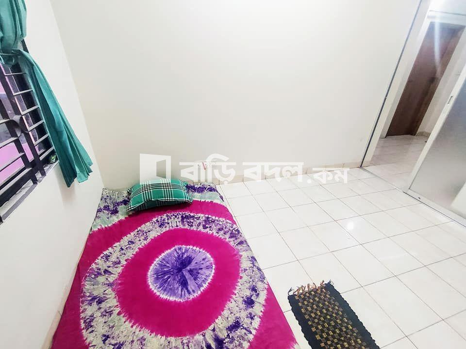 Flat rent in Dhaka গুলশান, গুদারাঘাট রোড # ৯,  হাউজ # ৪ মে মাস বা চাইলে এই মাস থেকেও উঠা যাবে।  বাসা থেকে গুলশান-১ পায়ে হেটে ১০ মিনিট সময়  বাসার পাশেই লেক তাই বাতাস থাকে।