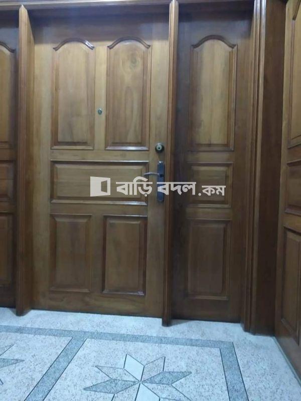 Flat rent in Dhaka মোহাম্মদপুর, রোড ১৩, বাড়ি ২৭ মোহাম্মদপুর,শেখেরটেক।