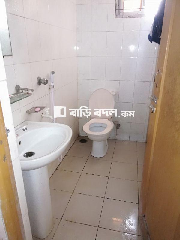 Flat rent in ৬০ কলাবাগান ডলফিন গলি, কলাবাগান, ঢাকা-১২০৫। (লাজ ফার্মার পেছনে থেকে হেটে ১ মিনিটের দূরত্ব) | 1  bed(s) | Kalabagan | Baribodol.com, Best property rental platform in Bangladesh