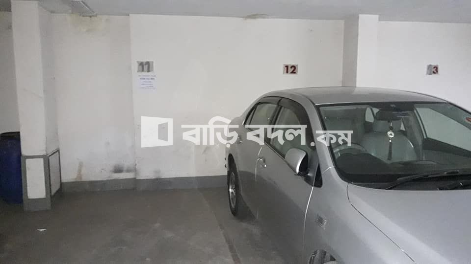 Garage rent in Dhaka লালমাটিয়া, ধানমন্ডি পুরাতন ২৭ সংলগ্ন - ধানমন্ডি পুরাতন ২৭ অক্সফোর্ড স্কুল এর পিছনের গেট সংলগ্ন, লালমাটিয়া- ব্লক-সি, তে