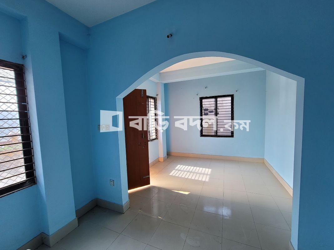 Flat rent in হালিশহর আড়ং এর পাশে মেইন রোড সংলগ্ন (চার নম্বর গেট ২য় বাড়ি)  | 1  bed(s) | Chattogram Sadar | Baribodol.com, Best property rental platform in Bangladesh