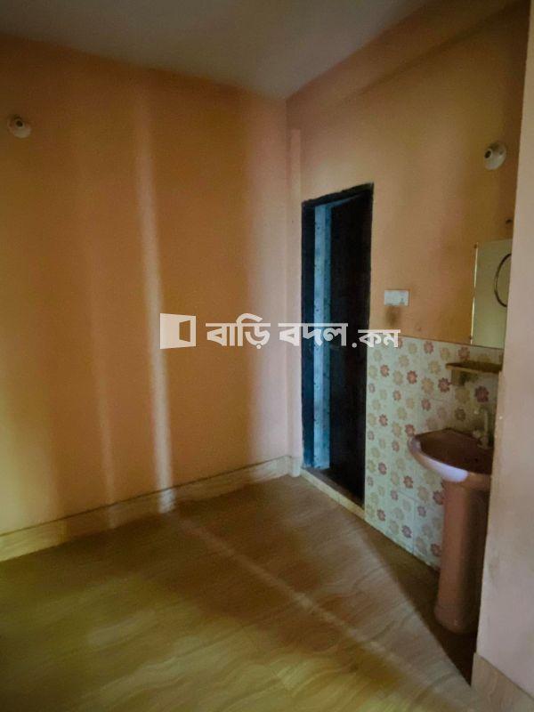 Flat rent in খতিব পাড়া (পশ্চিম ফরিদের পাড়া, ছিদ্দিক মার্কেট এর আগে), চান্দগাঁও,চট্টগ্রাম। | 2  bed(s) | Chattogram Sadar | Baribodol.com, Best property rental platform in Bangladesh