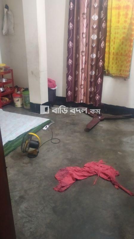 Sublet rent in Dhaka নতুন বাজার, নতুনবাজার,  নুরেরচালা। পুরবি মোড়। বাশতলা দিয়ে আসলে ৭ ৮ মিনিট লাগবে।