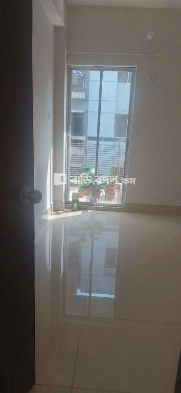 Sublet rent in Dhaka বসুন্ধরা আবাসিক এলাকা, Block D, Road 8,Bashundhara R/A.