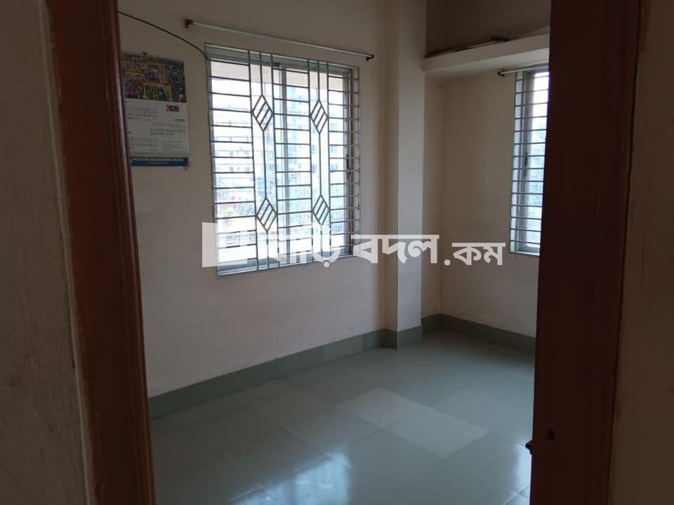 Flat rent in Chattogram চট্রগ্রাম সদর, আগ্রাবাদ, দাইয়াপাড়া,চট্টগ্রাম। চৌমুহনী হাজীপাড়া কিংবা আগ্রাবাদ মুহুরীপাড়া দুইদিক দিয়েই আসা যায়।