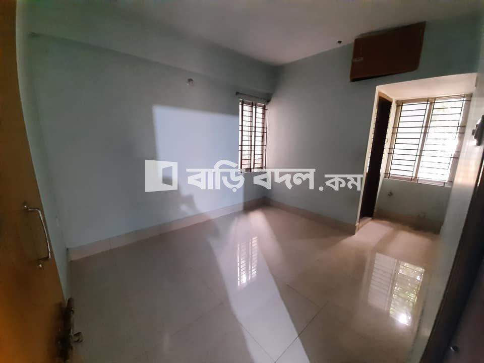 Flat rent in Cumilla কুমিল্লা আদর্শ সদর, রেইসকোর্স ( পলাশী গলি, কাঠের পুল থেকে পূর্ব দিকে রেইসকোর্স বড় রাস্তার পাশেই)
